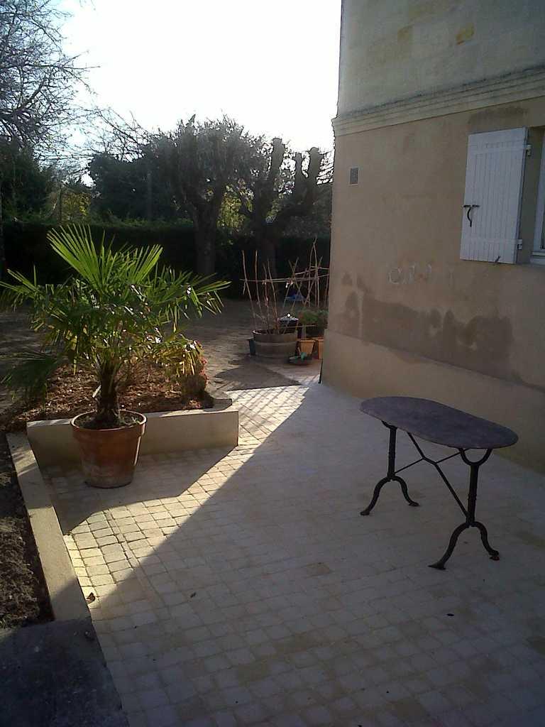 Terrasse pavée